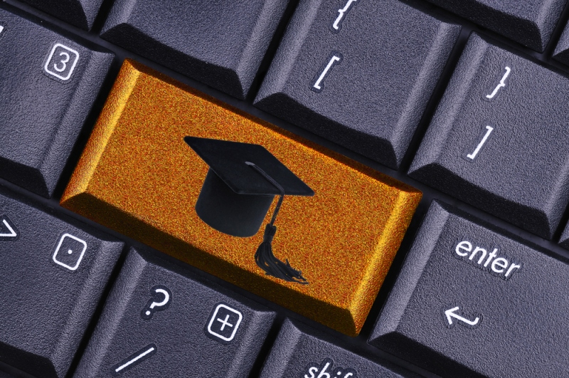 Awesome Benefits OIf Taking Online College Classes